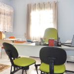 Área para estudos e reuniões em clínica de internação para dependentes químicos alcoólicos e depressivos