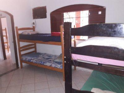 camas e dormitório da clínica de recuperação para dependentes químicos em cosmópolis sp