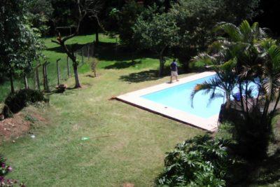 Área de lazer campos e vegetação da clínica de recuperação para dependentes químicos em Jaguariúna SP