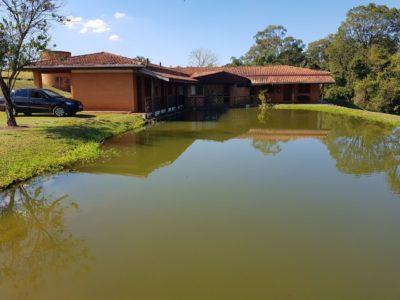 lago e área externa da clínica de reabilitação para dependentes químicos, alcoólatras e viciados em avaré